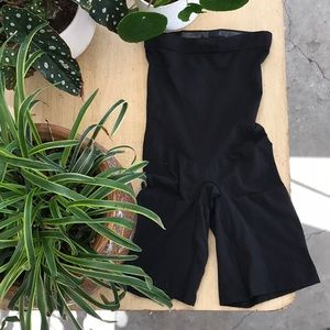 NWOT SPANX Power Conceal-Her High Waisted short